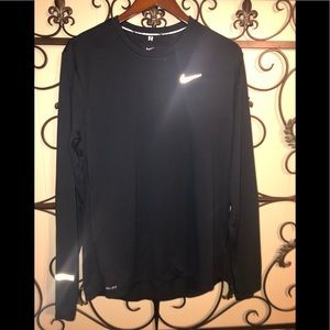 NWOT Sz Lrg Nike L/S Running Shirt w/Thumbholes